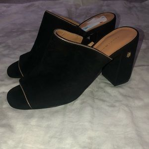 Tommy Hilfiger Sayna Leather Block Heel Mule